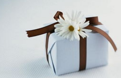 企业商务礼品的采购原则与赠送技巧