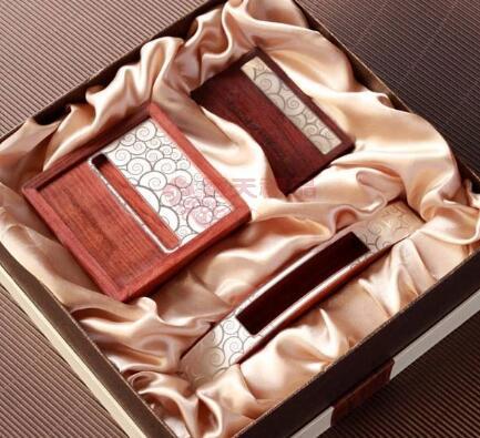 商务礼品:送礼时的注意事项、以及礼品的常见类型!