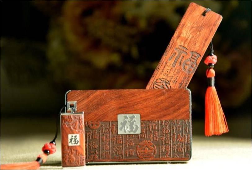房地产开盘礼品--红木三件套-名片盒+U盘+书签
