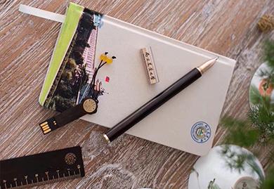 南京农业大学定制-丝绸笔记本+红木笔+红木U盘+红木尺